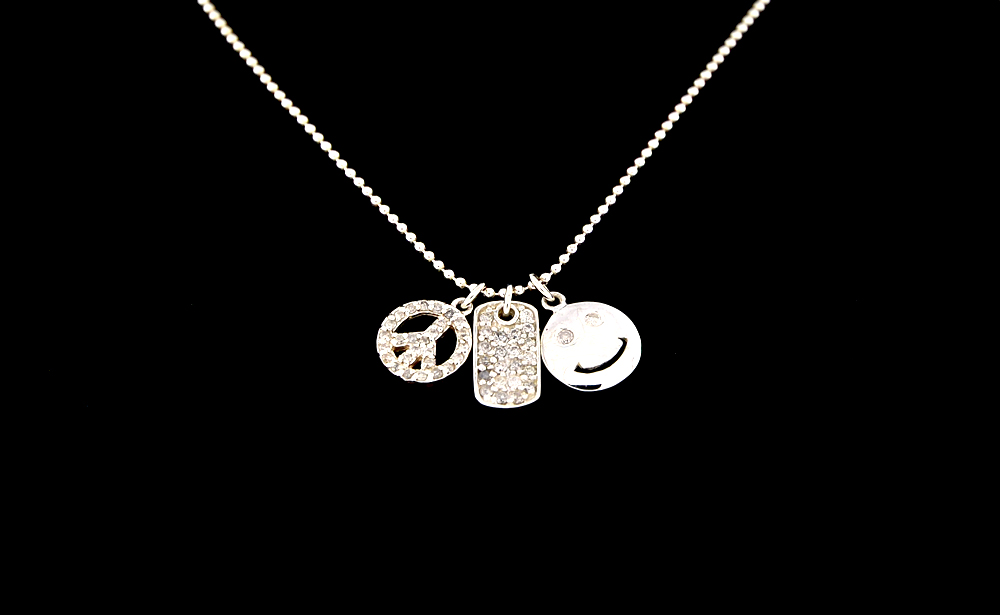 Sterling Silver Diamond .35 CT Smile Necklace